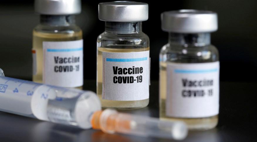 Das mais de 100 vacinas contra o novo coronavírus em desenvolvimento hoje no mundo, a de Oxford é a que está na fase mais avançada de testes