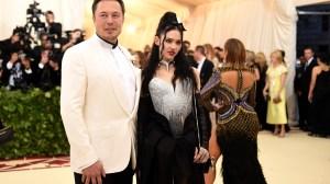 Elon Musk e a cantora Grimes anunciam separação após 3 anos juntos