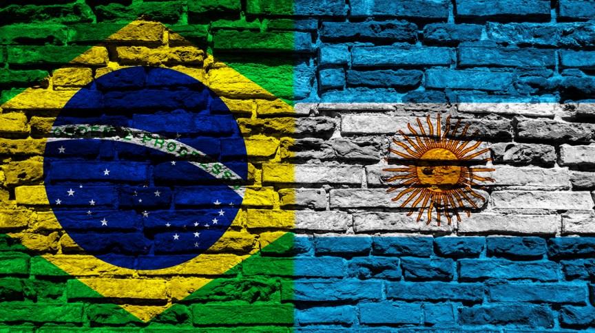 Em dois meses, o Brasil tem dez vezes mais mortos registrados por Covid-19 do que a Argentina