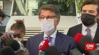 Segundo o empresário, o aparelho será entregue à PF na quinta-feira (28). Marinho disse que operação Furna da Onça foi vazada para Flávio Bolsonaro