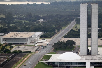 Instalação da CPI da Covid-19 no Senado foi ordenada pelo ministro Luís Roberto Barroso, do Supremo