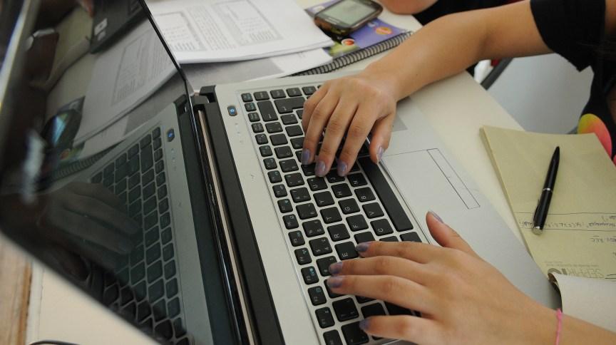 Em 2014, 80% dos usuários usavam computadores para se conectar, mas esse índice caiu para 42%, segundo a pesquisa