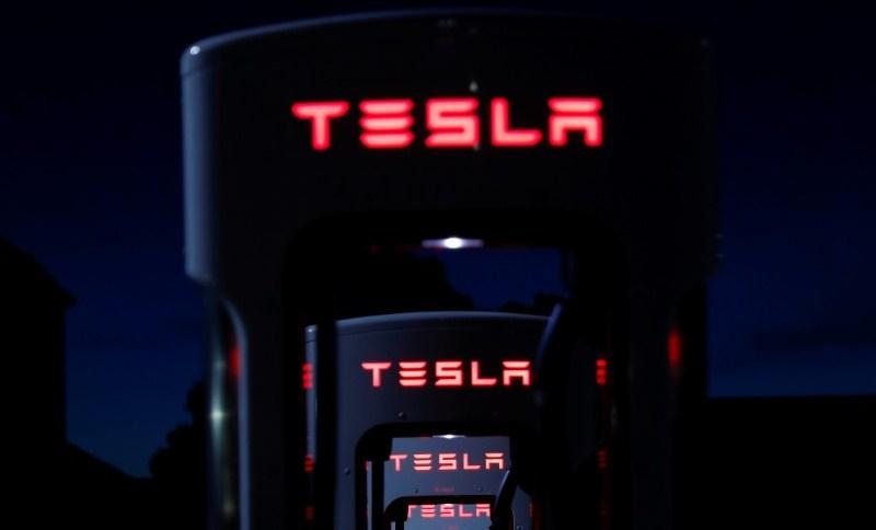 Logo da automotiva norte-americana Tesla, comandada por Elon Musk