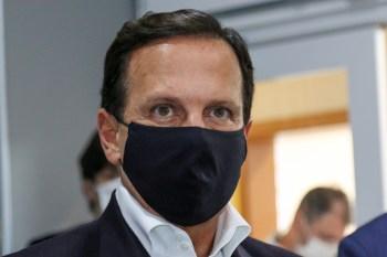 Ministério da Saúde nega dever doses ao estado de São Paulo