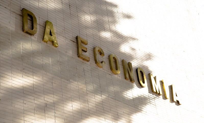 Fachada do Ministério da Economia: Dívida alta está dificultando a venda de títulos do Tesouro Nacional