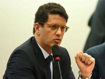 Defesa do ministro entregou o aparelho à PF como parte do inquérito que apura crimes contra a administração pública