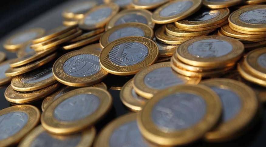 Injeção de dinheiro na economia é feita com corte de juros, redução de depósitos compulsórisos e compra de títulos pelo BC
