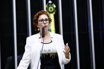 Informação foi confirmada pela assessoria da parlamentar, que está em isolamento social; ela não apresenta sintomas e 'fará tratamento com hidroxicloroquina'