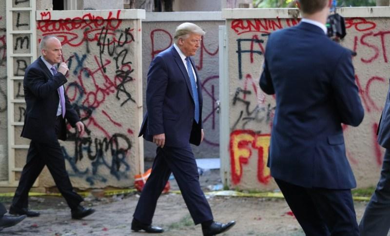 Trump visita área onde ocorreram protestos em Washington