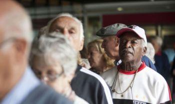No ano passado, o 13º de aposentados e pensionistas e abono salarial custaram, juntos, R$ 53,7 bilhões