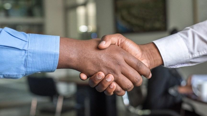 Demonstrar contrapartida é parte fundamental da negociação, dizem especialistas