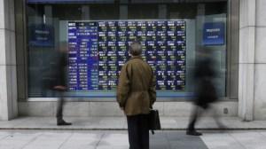 Com feriados, bolsas importantes da Ásia não operam; Hong Kong cai 3,3%