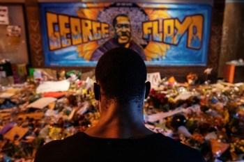 Ativistas e a família participam de uma série de celebrações da vida de Floyd nesta terça-feira (25), incluindo uma reunião com o presidente Joe Biden