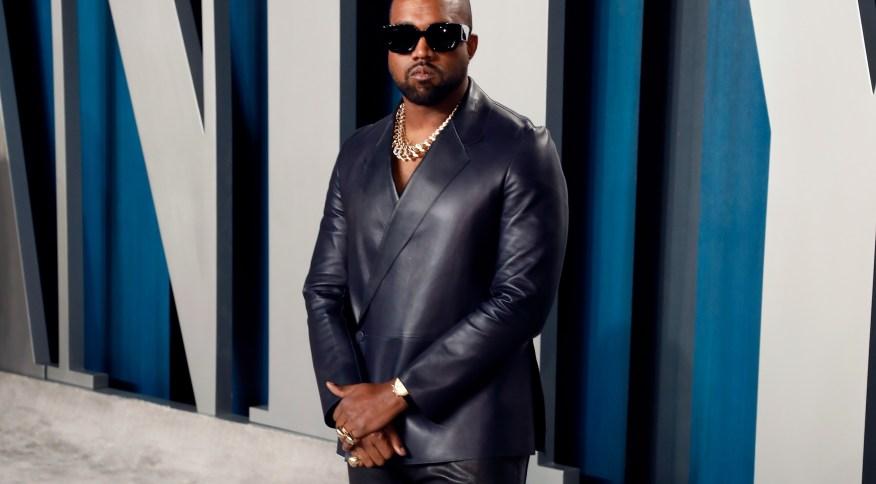 Cantor americano Kanye West financia estudos da filha de George Floyd