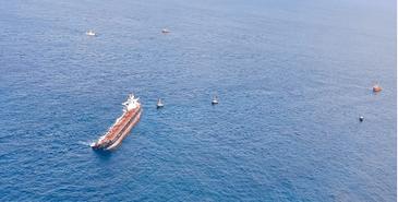 Navio Stellar Banner, encalhado há mais de três meses na costa maranhense