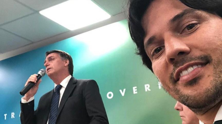 Presidente Jair Bolsonaro e Ministro das Comunicações, Fábio Faria, em 11.dez.2018.