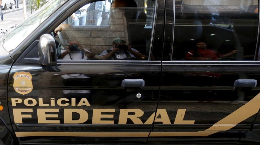 Operação da PF visa desarticular grupo de tráfico de armas, acessórios e munições