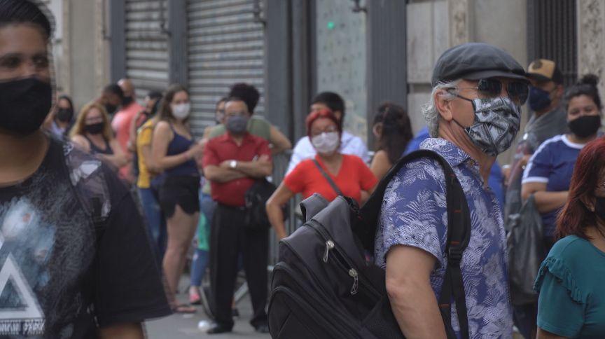 Número de brasileiros que pedem seguro-desemprego ainda está acima de 500 mil ao mês