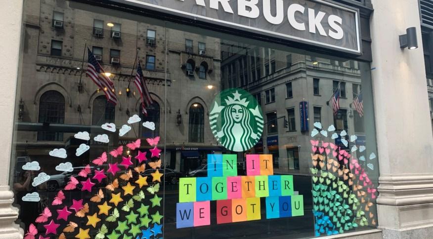 Loja da rede de cafeterias Starbucks em Nova York