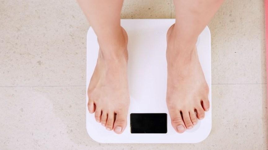 De acordo com o levantamento, o ganho médio de peso foi de 2,8 kg, mas as pessoas engordaram entre 1,1 kg e 12 kg