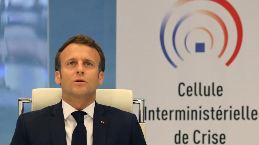 Presidente francês, Emmanuel Macron, anunciou que país acelerou afrouxamento de medidas para conter pandemia de Covid-19