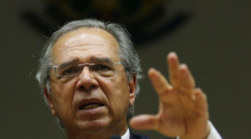 Ministro da Economia, Paulo Guedes, diz que distribuição de benefício começa em duas semanas