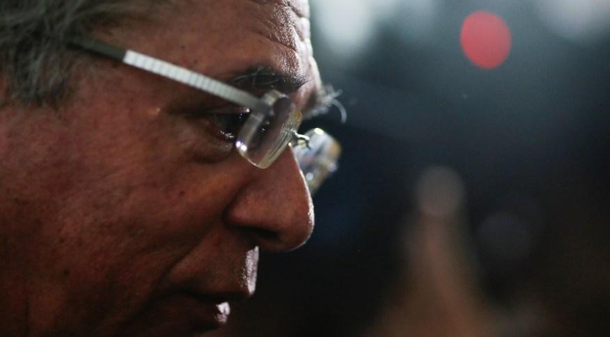 Ministro da Economia, Paulo Guedes, após evento no Palácio do Planalto, em Brasília (04.mar.2020)