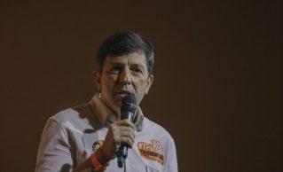 Empresário permanecerá na Fundação Brasil Novo, como membro do Conselho Curador e como filiado.