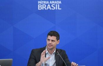 Em live, secretário especial do Tesouro, Bruno Funchal, disse considerar positiva a solução apresentada no Congresso para o pagamento da 'bomba' de precatórios
