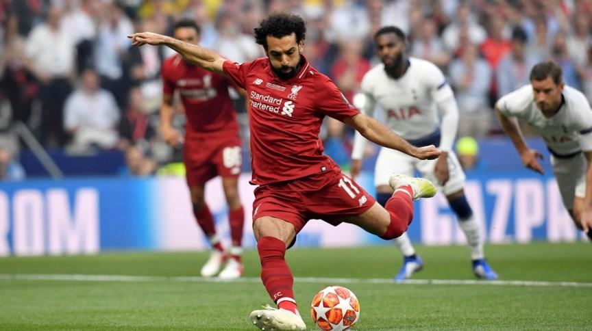 Mohamed Salah marca de pênalti na vitória do Liverpool contra o Tottenham Hotspur na final da Liga dos Campeões de 2019