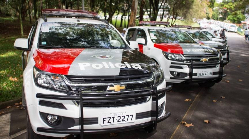 Carros da Polícia Militar de São Paulo: há suspeitae que André do Rap tenha ido ao Paraguai