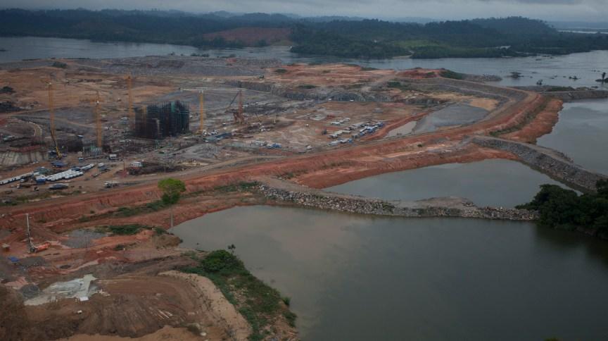 <strong>Barragem da hidrelétrica de Belo Monte durante a fase de construção</strong>