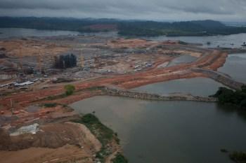 O Ministério de Minas e Energia e membros do setor elétrico alegam que, ao liberar mais água para o rio, haverá uma redução no volume de energia