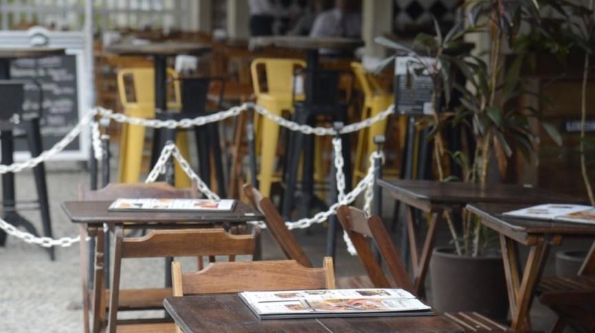 Bares e restaurantes de Botafogo fechados no horário do almoço, no Rio de Janeiro