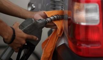 Para as refinarias, a gasolina passa a valer R$ 2,84 o litro, e o diesel, R$ 2,86