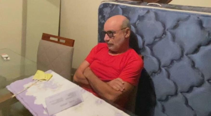 Fabrício Queiroz durante a prisão na manhã de quinta-feira (18) em casa em Atibaia