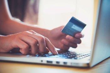 O e-commerce foi um dos poucos setores que cresceram com a pandemia de Covid-19. As vendas online cresceram 75% no Brasil