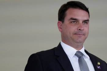 O senador nega as acusações e defesa diz que fará reclamação formal ao Superior Tribunal de Justiça (STJ)