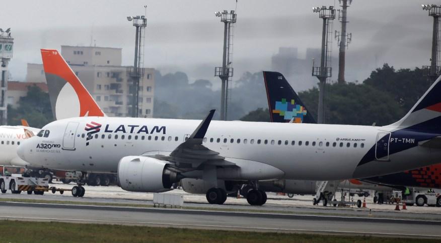 Avião da Latam Airlines no Aeroporto de Congonhas, em São Paulo