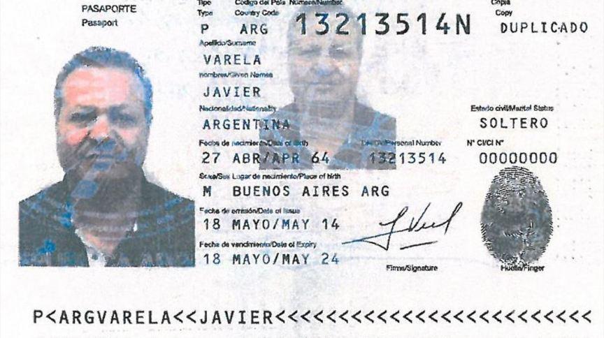 Passaporte falso usado pelo traficante italiano Nicola Assisi