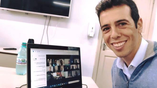 Renato Feder e o sócio Alexandre Ostrowiecki fizeram da Multilaser um negócio que fatura R$ 2 bi