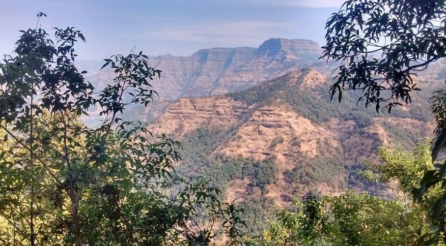 Basaltos de Decão, na Índia, região usada na pesquisa sobre os dinossauros