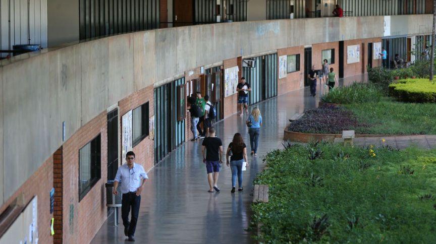 Universidades querem evitar descontos para os estudantes no período da pandemia