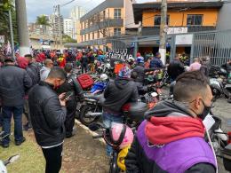 Motociclistas e ciclistas de aplicativos paralisam atividades nesta quarta-feira (1º)