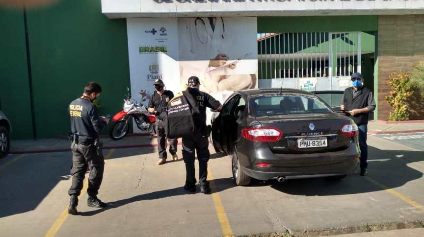 Policiais cumprem mandado de busca e apreensão no Piauí