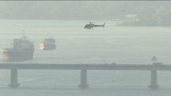 Aeronave caiu perto do Museu do Amanhã, na Praça Mauá, no centro do Rio. Os dois tripulantes passam bem, diz escola dona do helicóptero