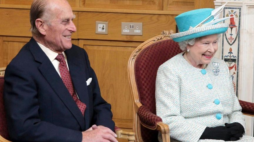 O príncipe Philip e a rainha Elizabeth 2ª durante visita à Irlanda, em março