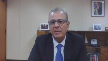 Governo sinalizou que dará continuidade à venda de parte de seus ativos de refino de petróleo mesmo com a oposição do Congresso