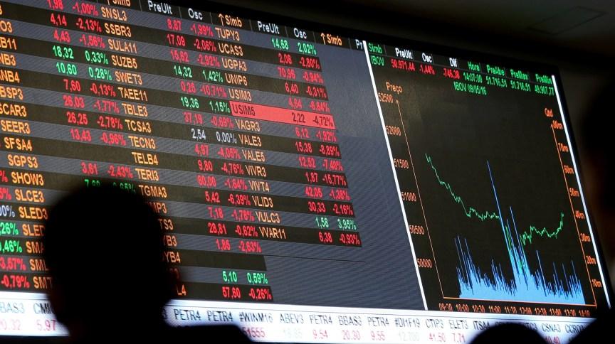Bolsa registrou queda de 10,02% nesta segunda (9) e interrompeu suas atividades (09.mai.2016)