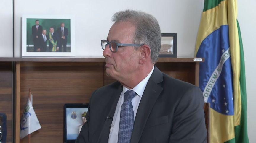 O ministro de Minas e Energia, Bento Albuquerque, fala à CNN